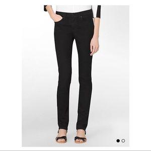 (Calvin Klein) Black Skinny Leg Black Jeans 🖤